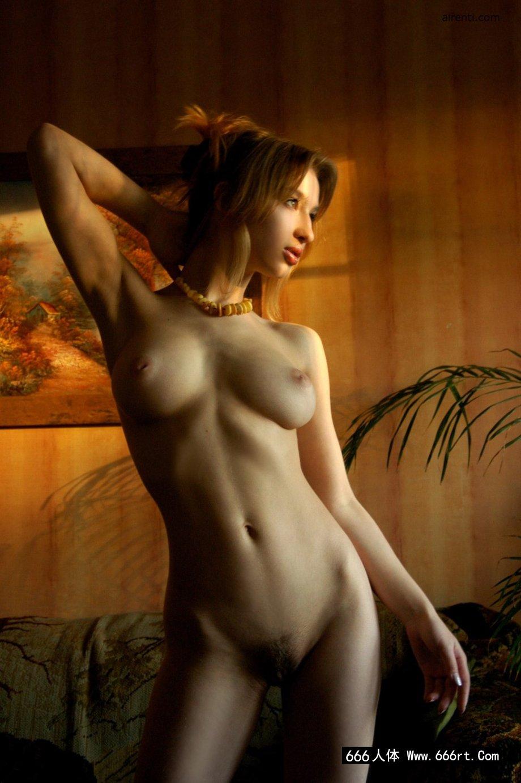 室拍精品法国超模Anna的魔鬼身材