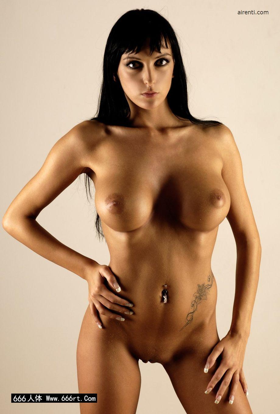 棚拍丰腴大尺度的人体名模Elvira