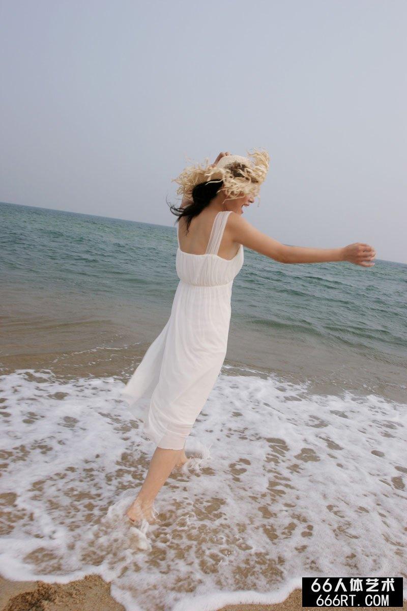 内衣模特图片_《海边人像》裸模苏桐06年8月19日外拍