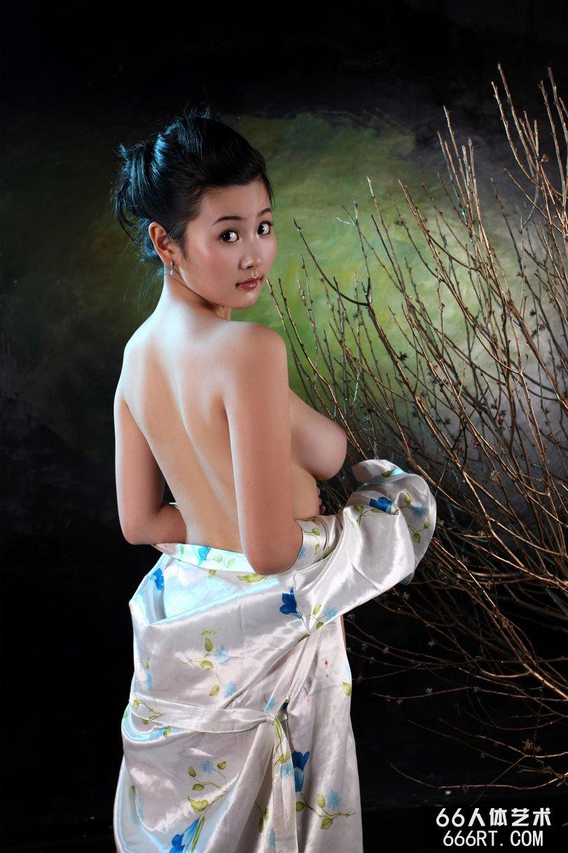xixi模特丫头09年情人节室拍人体合集