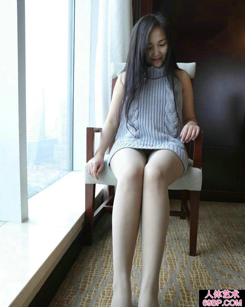 靓丽可爱的妹子无内肉丝高等酒店摄影图